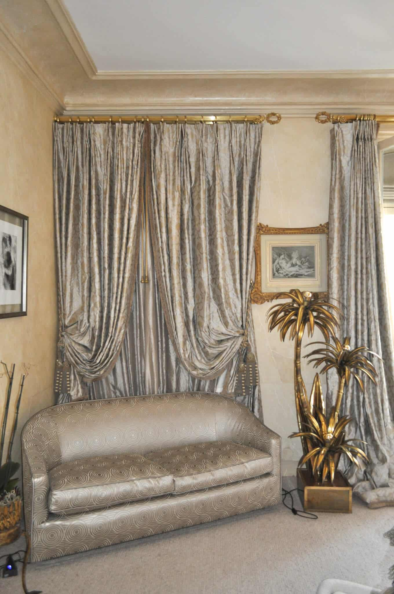 canap art d co double rideaux et voilages atelier secrea. Black Bedroom Furniture Sets. Home Design Ideas