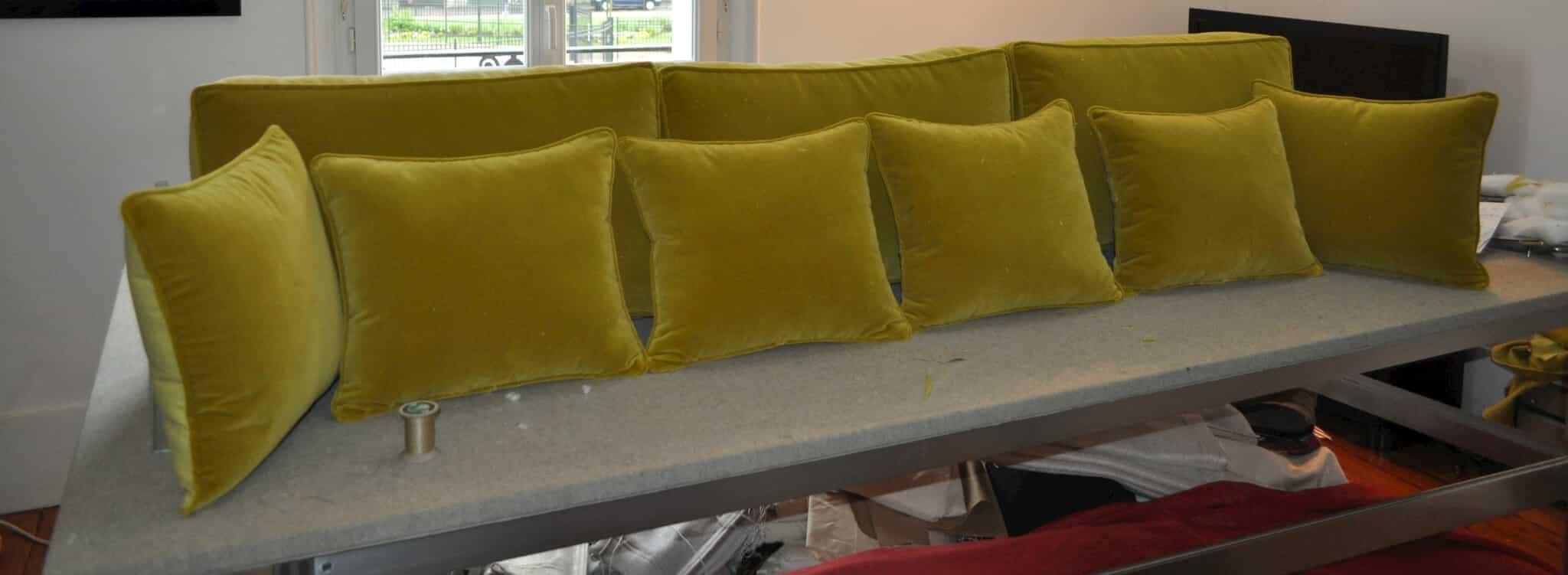 ensemble de coussins pour canap atelier secrea. Black Bedroom Furniture Sets. Home Design Ideas